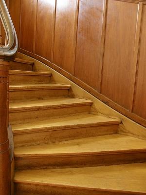 Treppenstufen fachgemäß erneuern