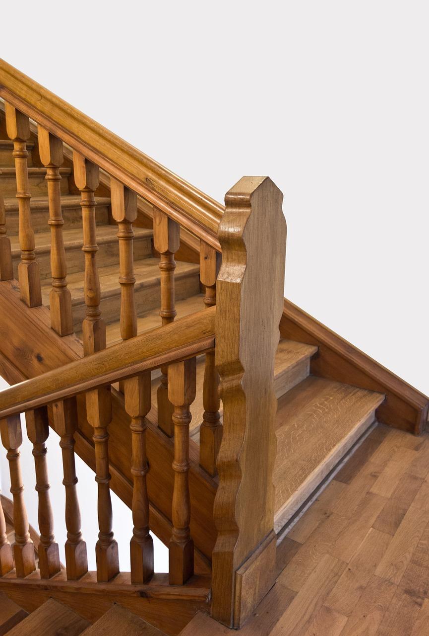 Hervorragend Holztreppe verkleiden: Varianten & Kosten MJ24
