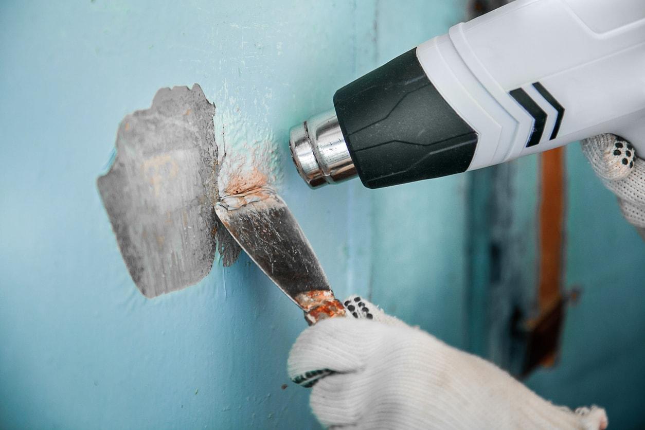 Wandfarbe entfernen ▷ 10 Tipps zur Entfernung