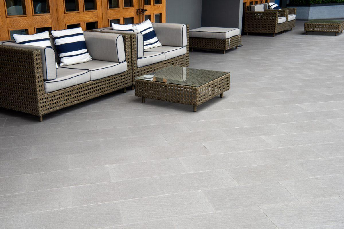 Keramik Terrasse Eigenschaften, Vorteile und Verlegung
